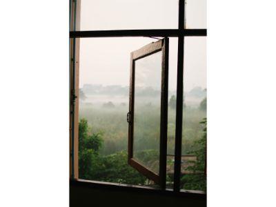 Hurtig og nem vinduespudsning – Sådan gør du [Guide]